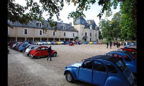 Teambuilding : 40 2cv au départ de Poitiers!